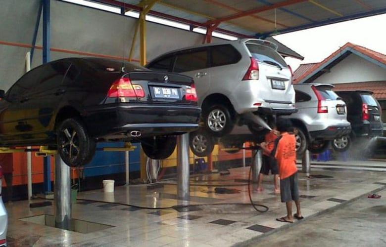 Giá cầu nâng 1 trụ chuyên rửa xe ô tô trên thị trường